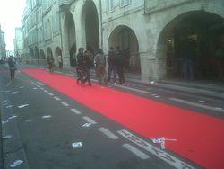 Piéton, un jour on leur déroulera peut-être le tapis rouge (La Rochelle)