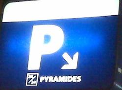 Pyramides_de_nuit_8